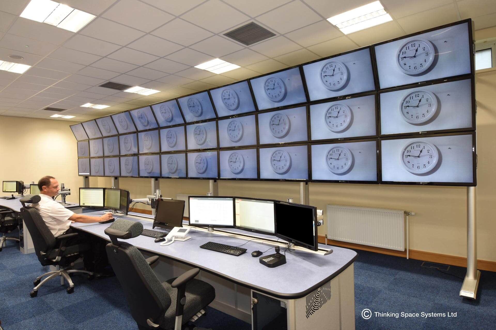 large spanning media wall configuration example