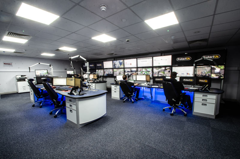 Large spanning Evolution Media wall example photo